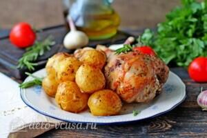 Голень индейки с картошкой в рукаве: фото к шагу 8.