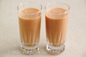 Йогуртовый смузи с персиком и бананом: фото к шагу 8.