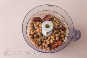 Хумус с вялеными томатами за 10 минут: фото к шагу 3.