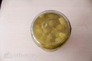 Компот из винограда с лимоном на зиму: фото к шагу 5.