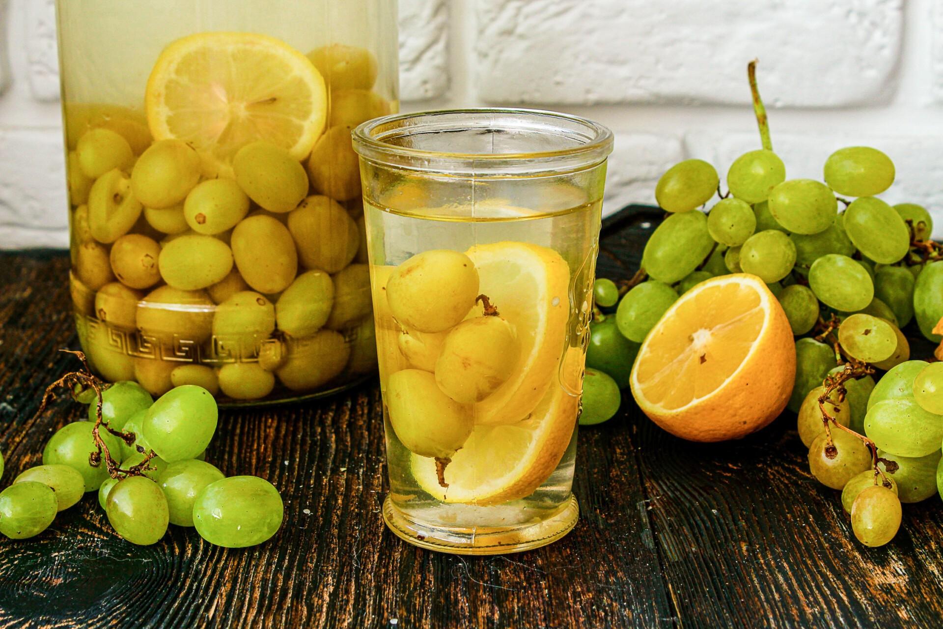 Компот из винограда с лимоном на зиму