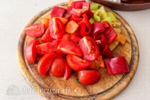 Летние овощи в духовке: фото к шагу 2.