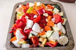 Летние овощи в духовке: фото к шагу 5.