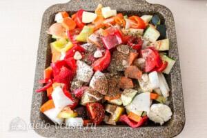 Летние овощи в духовке: фото к шагу 6.