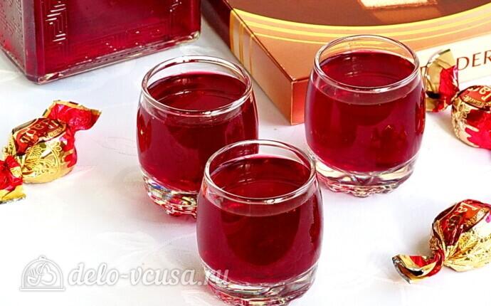 Рецепт ликер из черноплодной рябины с вишневыми листьями