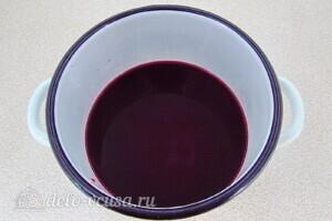 Ликер из черноплодной рябины с вишневыми листьями: фото к шагу 8.
