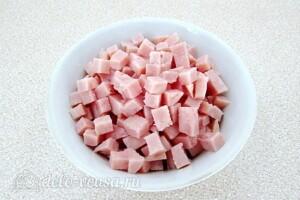 Витаминный салат с ветчиной: фото к шагу 7.