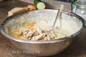Заливной пирог с курицей и кабачками: фото к шагу 3.