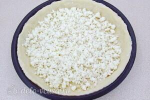 Творожная пицца с крабовыми палочками и фетой: фото к шагу 11.