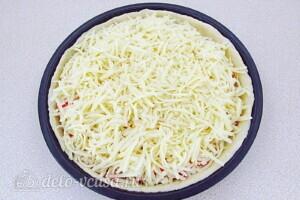 Творожная пицца с крабовыми палочками и фетой: фото к шагу 14.
