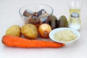 Рассольник из консервированной сайры: Ингредиенты