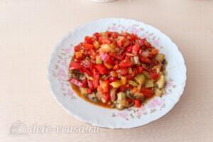 Салат из печёных баклажанов с сыром Фета: фото к шагу 12.