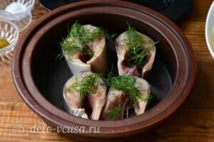 Скумбрия с помидорами и сыром в духовке: фото к шагу 4.