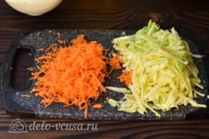 Сладкие кабачковые оладьи с морковью: фото к шагу 4.
