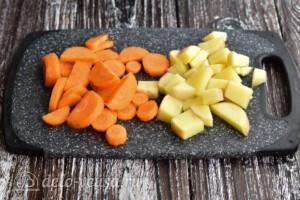 Суп с рыбными фрикадельками из минтая: фото к шагу 1.