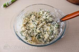 Сырники с сыром и зеленью: фото к шагу 4.
