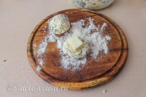 Сырники с сыром и зеленью: фото к шагу 6.