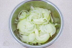 Томатно-луковый соус на зиму: фото к шагу 3.