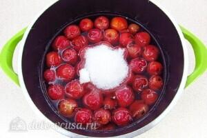 Варенье из райских яблок с хвостиками: фото к шагу 10.
