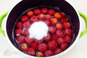 Варенье из райских яблок с хвостиками: фото к шагу 8.