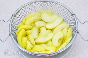 Варенье из жёлтой алычи с яблоками: фото к шагу 9.