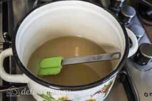Зефир из красной смородины: фото к шагу 6.