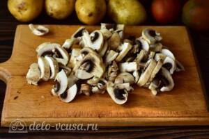 Жаркое с помидорами и грибами в мультиварке: фото к шагу 2.