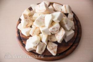 Аджика с баклажанами и яблоками на зиму: фото к шагу 1.