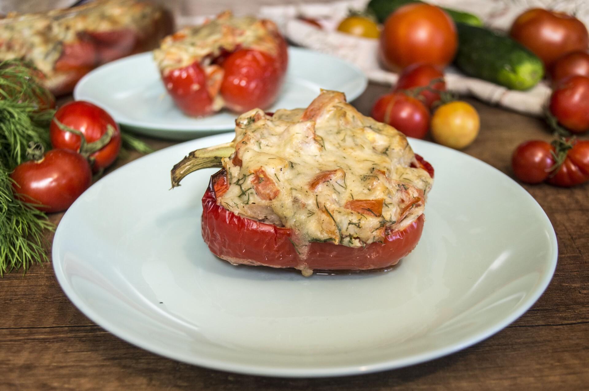 Перец фаршированный свининой и сыром