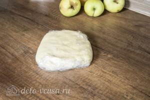Яблочный пирог с карамельным вкусом: фото к шагу 4.