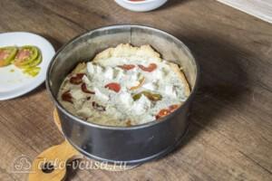 Киш с помидорами и фетой: фото к шагу 6.