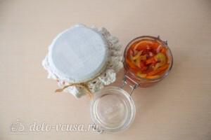 Салат из моркови и перца на зиму: фото к шагу 9.