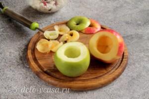 Печеные яблоки с рисом и клюквой: фото к шагу 5.