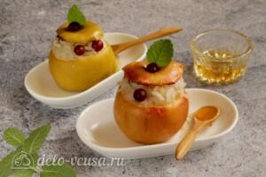 Печеные яблоки с рисом и клюквой: фото к шагу 8.