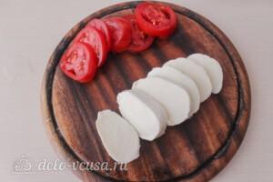 Итальянский салат «Капрезе»: фото к шагу 4.