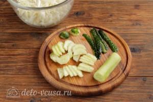 Салат из пекинской капусты с огурцами и помидорами: фото к шагу 2.
