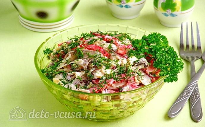 Овощной салат с сельдереем, грибами и сыром