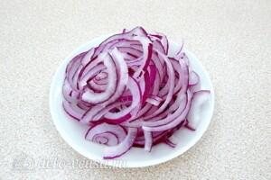 Овощной салат с сельдереем, грибами и сыром: фото к шагу 6.