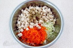 """Салат """"Корейская курица"""": фото к шагу 5."""