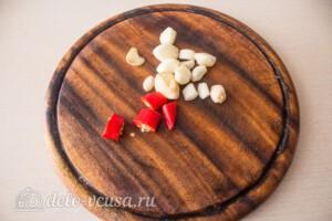 Томатный соус с базиликом на зиму: фото к шагу 4.