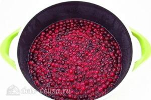 Варенье из клюквы на зиму: фото к шагу 5.