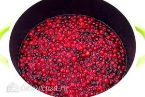 Варенье из груш с клюквой: фото к шагу 5.
