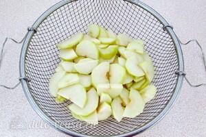 Варенье из груш с клюквой: фото к шагу 9.
