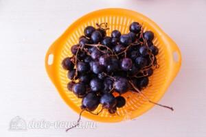 Варенье из винограда с грецкими орехами: фото к шагу 1.