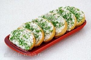 Бутерброды из сайры, яиц и сыра: фото к шагу 8.