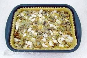 Заливной пирог с курицей, грибами и капустой: фото к шагу 19.