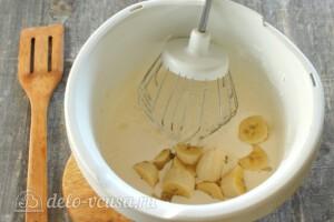 Шоколадно-банановый пирог в мультиварке: фото к шагу 4.