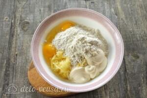 Куриные отбивные в картофельном кляре: фото к шагу 4.