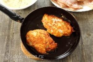 Куриные отбивные в картофельном кляре: фото к шагу 6.