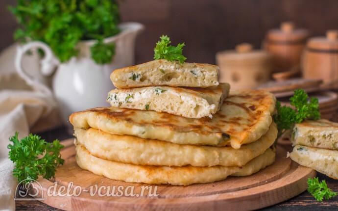 Рецепт лепешки с творогом и зеленью на сковороде